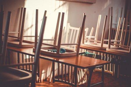 Экспаты не могут позволить дорогие международные школы для своих детей