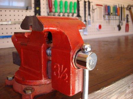 Высокорентабельный магазин оборудования в Сингапуре: поиск инвестиций